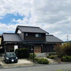 福知山市戸田【2LDK+ロフト2】広々とした住宅・カーポート付の庭園!